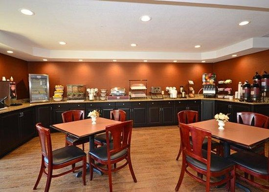 Comfort Inn Biltmore West: Free hot Breakfast