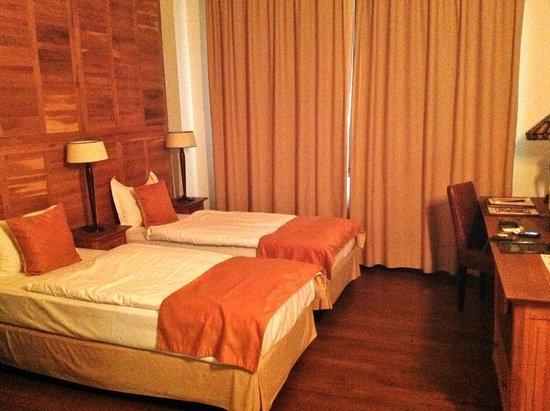 Rembrandt Hotel : Spacious Room
