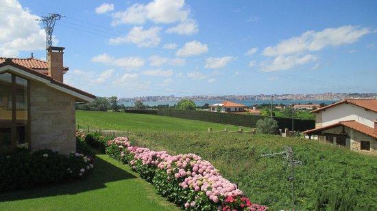 Sur de la Bahia Hotel Rural: Vista hacia Santander