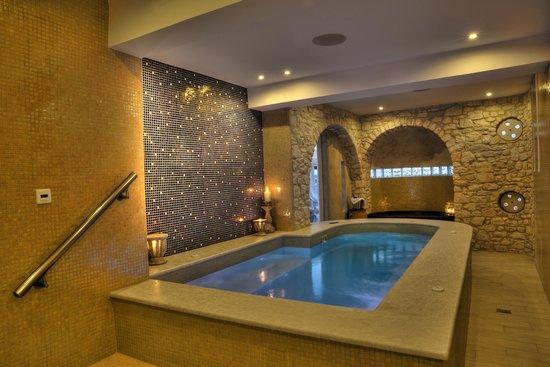 Paliomylos Spa Hotel: Saltwater jacuzzi