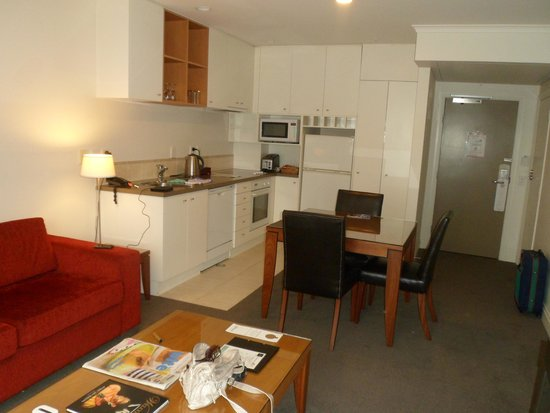 CityLife Auckland: The kitchen/dining area