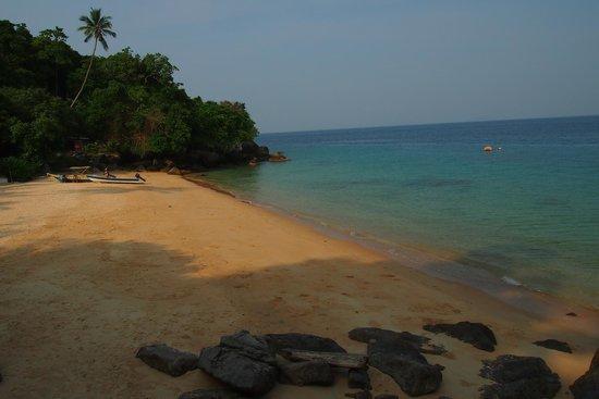 Keranji Beach: Beachview from hut #3