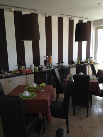De Maria House B&B: sala colazione