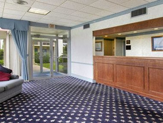 Days Inn Easton: Lobby