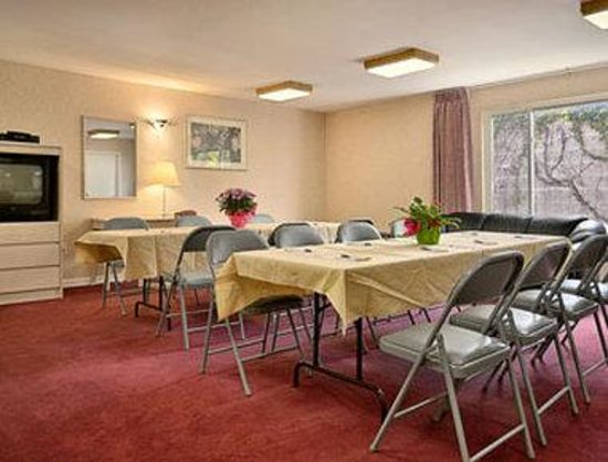 Days Inn Hicksville Long Island: Meeting Room