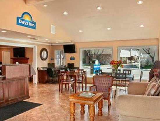 Days Inn Camarillo - Ventura: Lobby