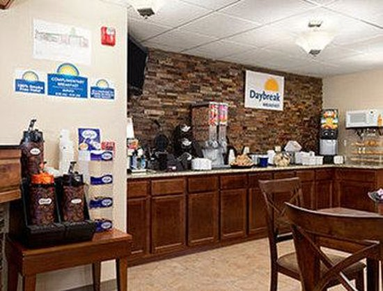 Days Inn & Suites Gunnison: Breakfast Area