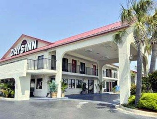 Welcome to the Days Inn Destin
