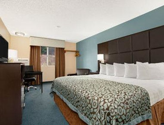 Days Inn Williams: Standard 1 King Bed Room