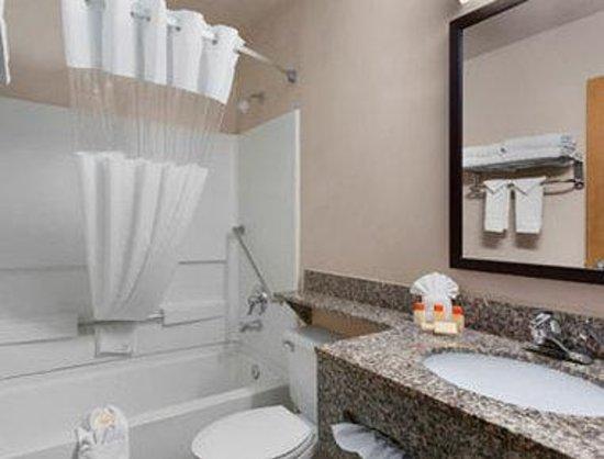 Days Inn Williams: Bathroom