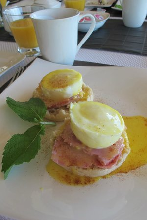 Bella Luna bed and breakfast : Eggs Benedict
