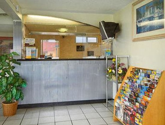 Days Inn San Bernardino Riverside: Lobby