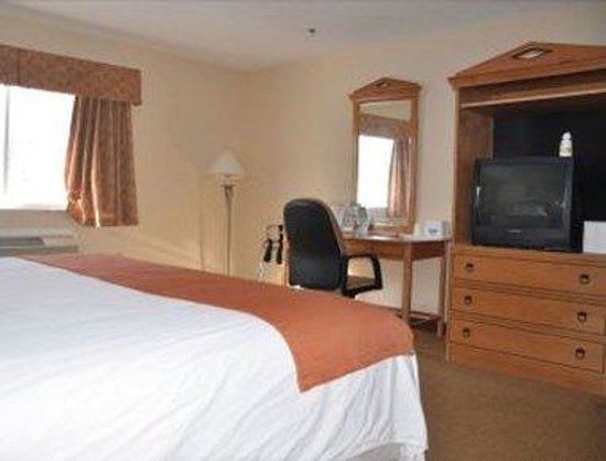 Whitney Inn & Suites: Guest Room