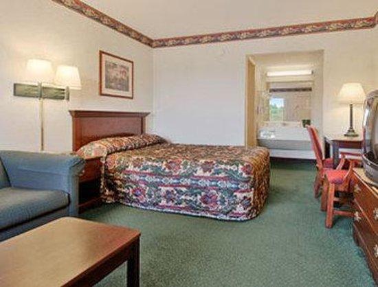 Days Inn Jonesville: Standard Queen Bed Room