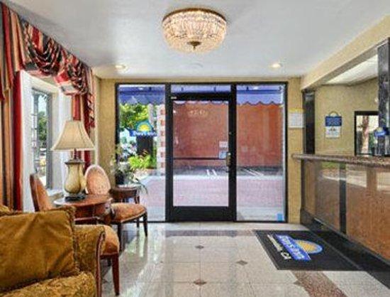 Days Inn Los Angeles LAX/ Redondo and Manhattan Beach : Lobby
