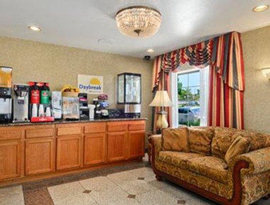 Days Inn Los Angeles LAX/ Redondo and Manhattan Beach : Breakfast Area