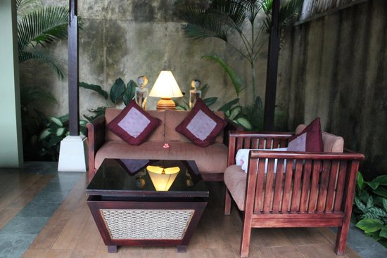 The Sanyas Suite Seminyak: Sitting area