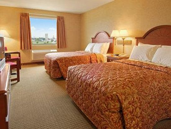 Days Inn & Suites Wynne: Standard Two Double Bed Room