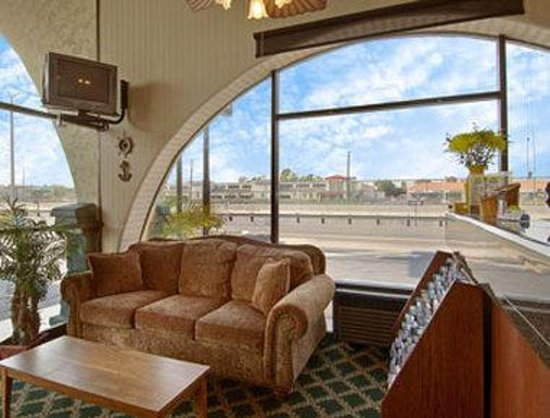 Days Inn Costa Mesa/Newport Beach : Lobby