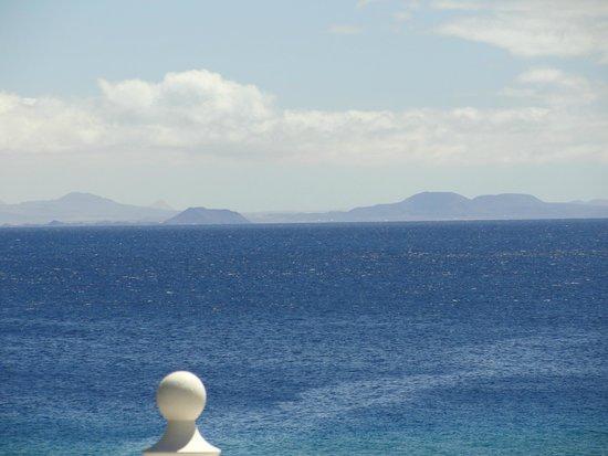 Los Fariones Hotel : Fuerteventura vue de la terrasse.