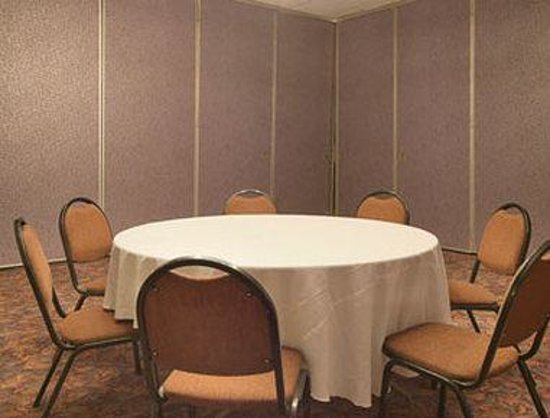 Days Inn Glendale Los Angeles: Meeting Room