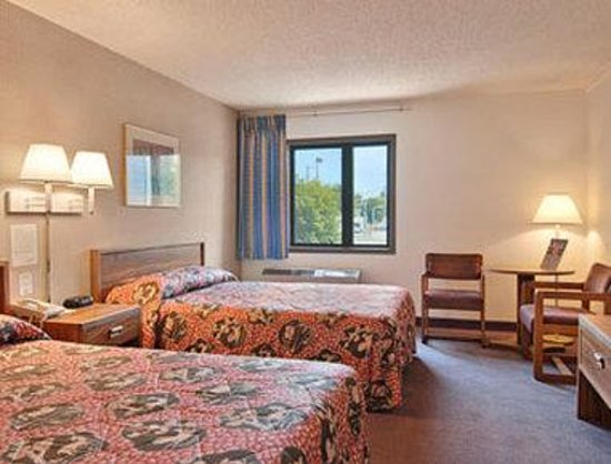 Days Inn Council BLUFFS/9TH Ave : Standard Two Double Bed Room