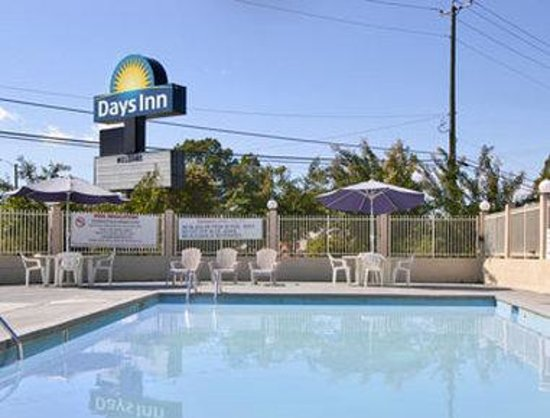 Travelodge Ridgeway Martinsville Area: Pool