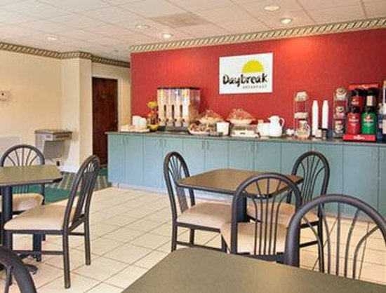 Days Inn Chapel Hill: Breakfast Area