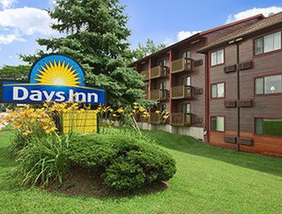 Days Inn Colchester Burlington Photo