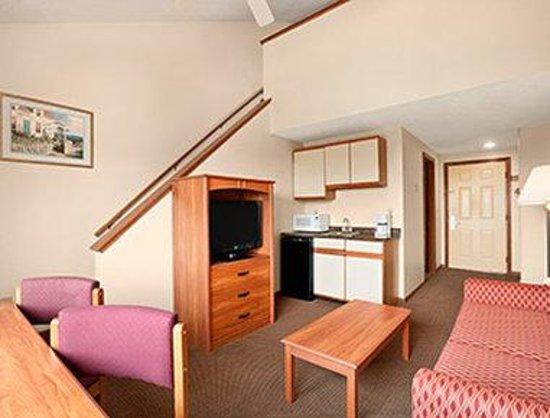Days Inn Colchester Burlington: Loft Suite