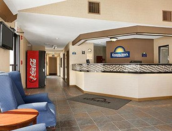 Days Inn Middletown: Lobby