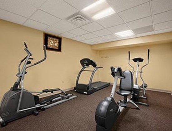 Days Inn Colchester Burlington: Fitness Center