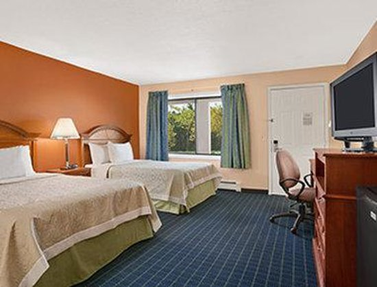 Days Inn Middletown: Two Bed Guest Room