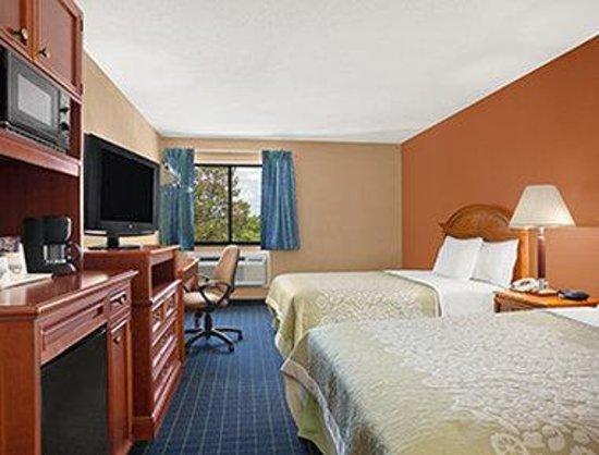 Days Inn Middletown/New Hampton: Standard Double Bed Room