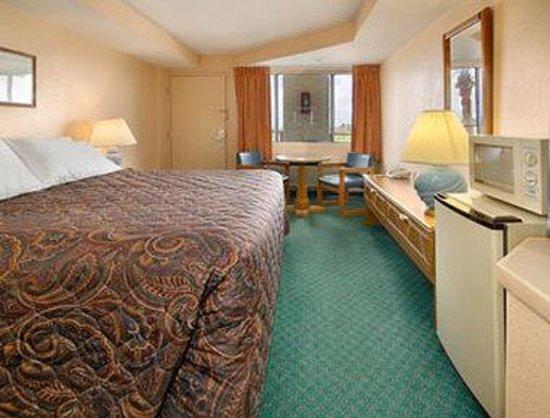 Days Inn Rockport: Standard King Bed Room