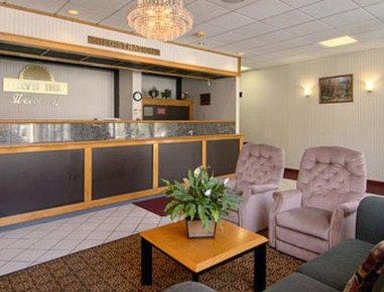 Days Inn Schenectady: Lobby