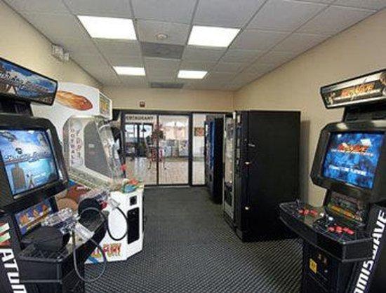 Days Inn Orlando Near Millenia Mall : Game Room