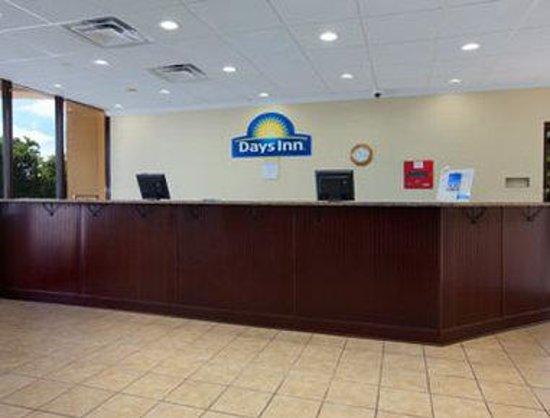 Days Inn Mount Pleasant-Charleston-Patriots Point : Lobby