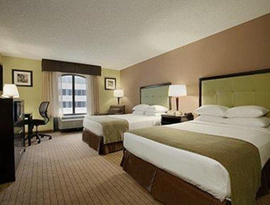 Days Inn Baltimore Inner Harbor: Standard Two Double Bed Room