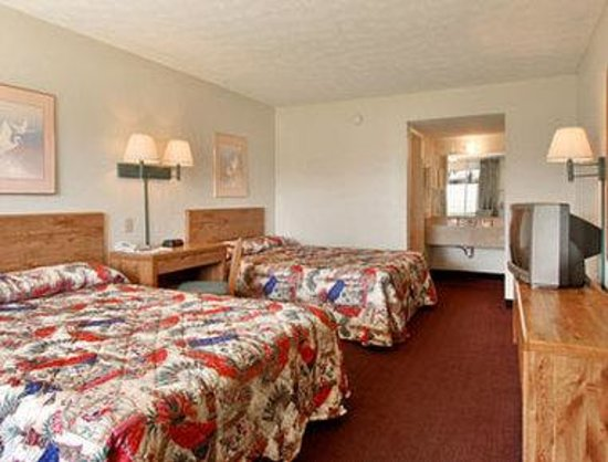 Days Inn ST. Augustine West: Standard Two Double Bed Room