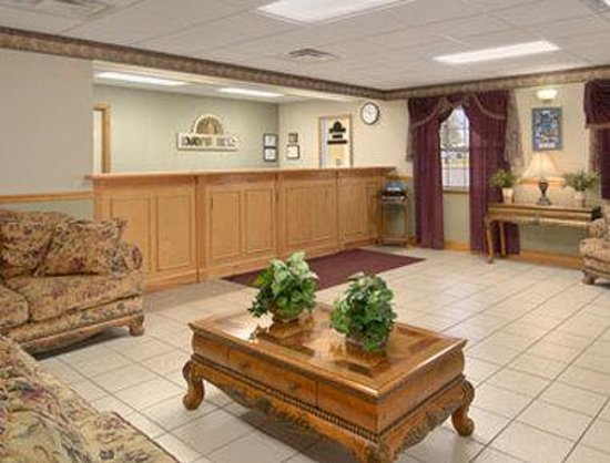Days Inn by Wyndham Lake City I-75 : Lobby