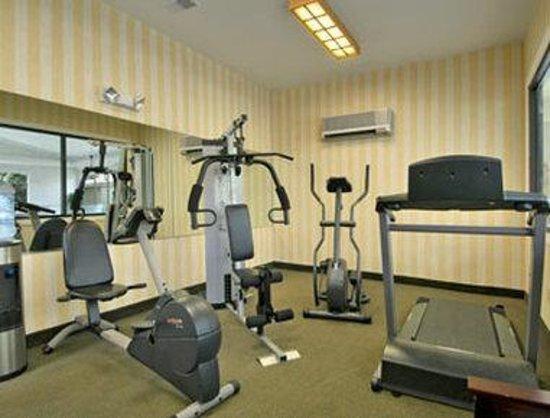 Days Inn Ann Arbor: Fitness Center