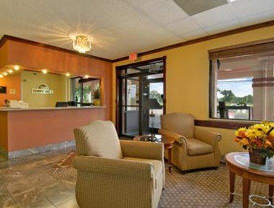 Knights Inn San Antonio Near AT&T Center: Lobby