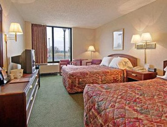 Days Inn Amarillo East: Standard Two Double Bed Room