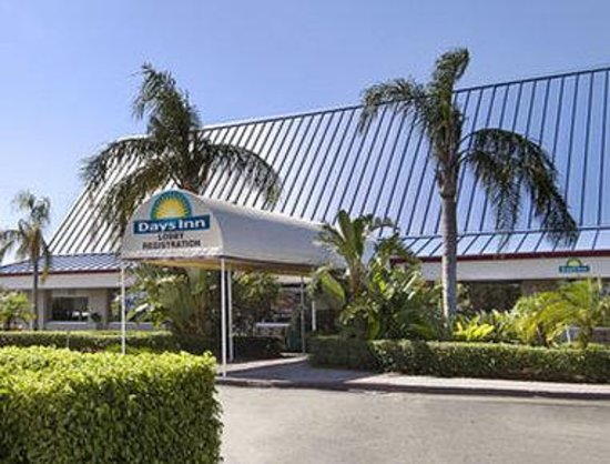 Welcome to the Days Inn West Palm Beach