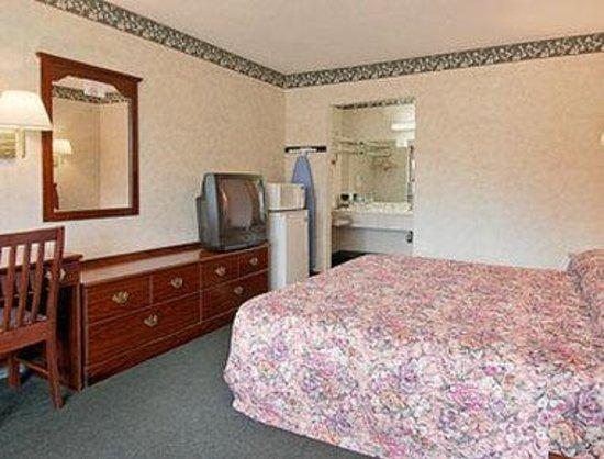 Days Inn la Grange: Standard King Bed Room