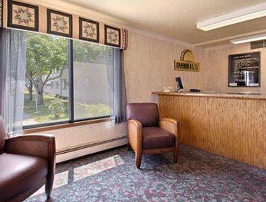 Days Inn Winona: Lobby