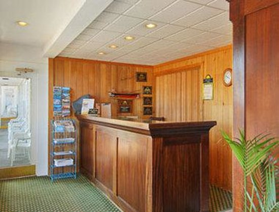 Days Inn Bar Harbor: Lobby