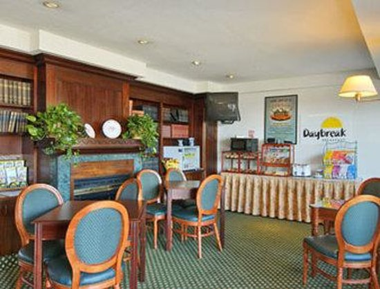 Days Inn Bar Harbor: Breakfast Area