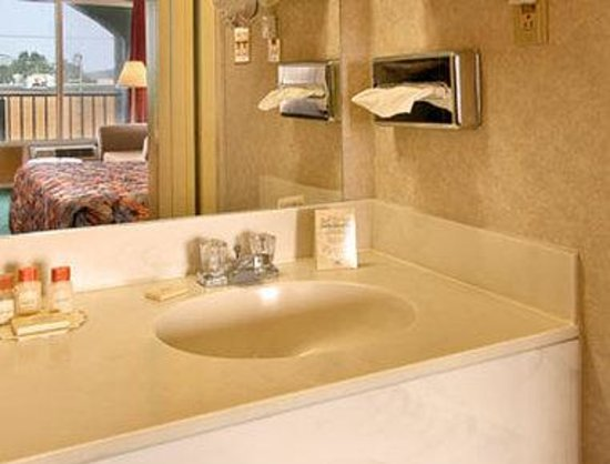 Days Inn Wheelersburg Portsmouth : Bathroom